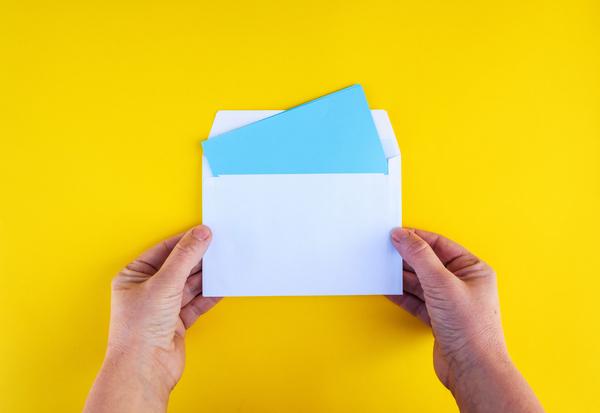 Laes et brev GettyImages 1133175264